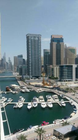 Excellent Marina Bay Suites