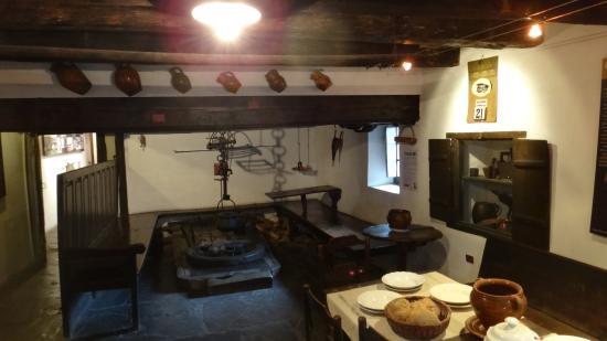 Sabinanigo, Spanyolország: La fameuse cheminée...