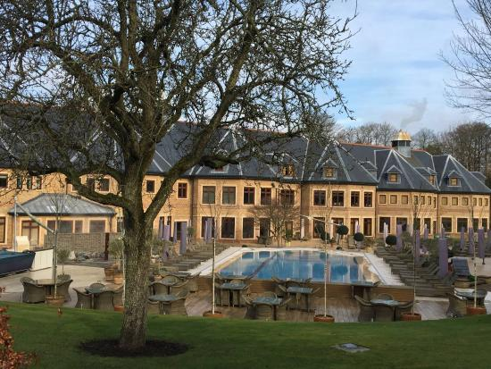 The Spa at Pennyhill Park: The Outdoor Pool area
