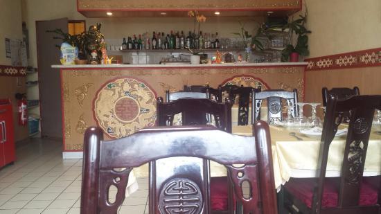 Loudeac, Frankrike: Angkor Restaurant - salle