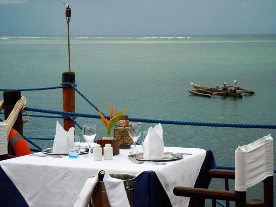 "Dongwe Club: Ristorante Ocean Front ""Pontile"""
