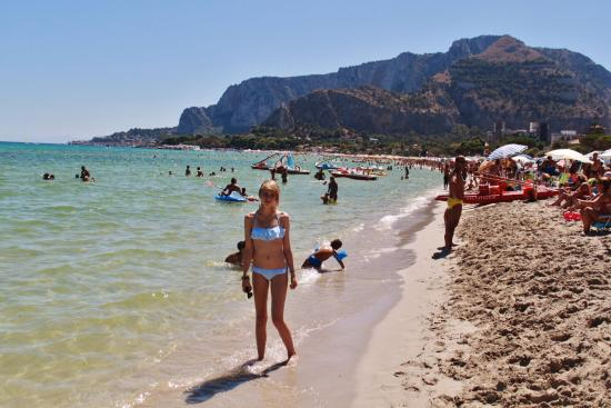 Mercure Palermo Excelsior City Beautiful Beach 10 Minuet Bus Ride From Hotel