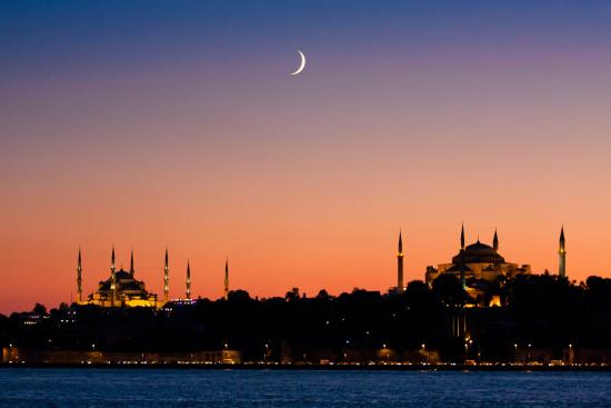 Istanbul Guided Private Tours: This city is a lot nicer at night