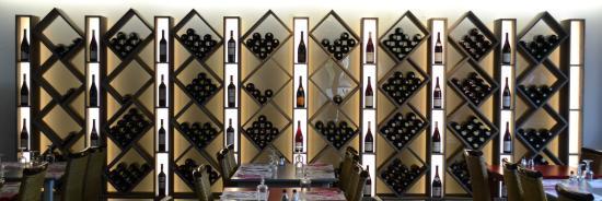 Charnay-les-Macon, Frankrike: Bar à vins