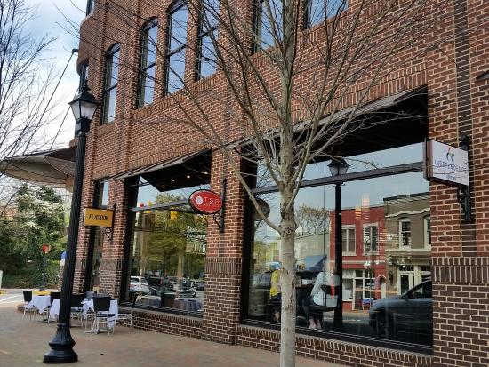 Located at the fork on Main - Picture of Flatiron Kitchen + Taphouse ...