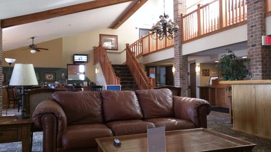 Madelia, MN: Well maintained interior