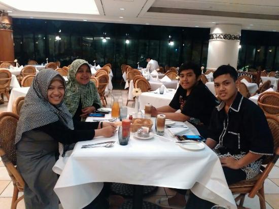 dinner at fiesta restaurant at sari pan pacific hotel jakarta rh tripadvisor co za