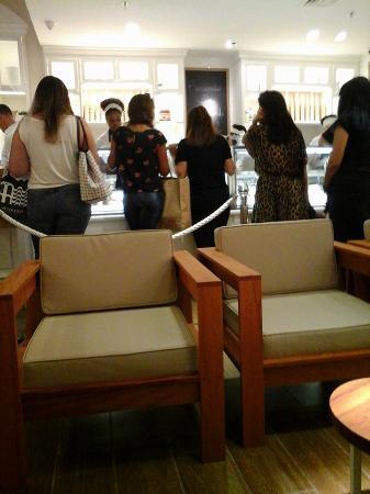 Bacio di Latte - Shopping Rio Sul: espaço interno da sorveteria