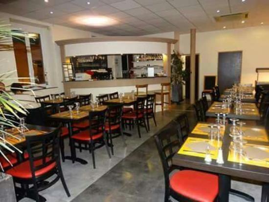 Morestel, Γαλλία: Vue d'ensemble du restaurant