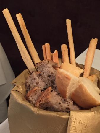 Locale foto di viola ristorante alassio tripadvisor - Diversi tipi di pane ...