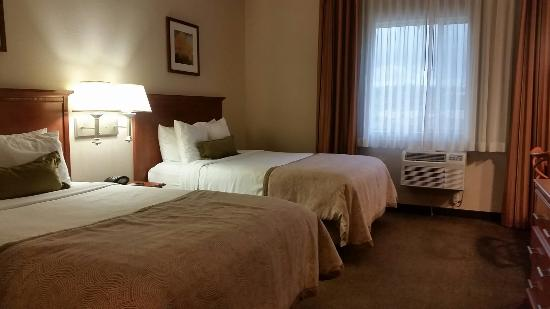 Candlewood Suites : Double Bed Suite w/ Living Room
