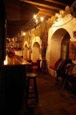 Hacienda Pinsaqui: Bar and tack room
