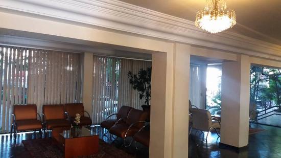Hotel Rafain Centro: Sala antes do restaurante