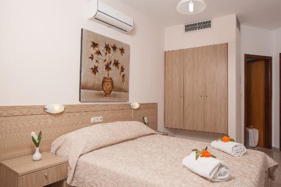 Hotel Akti Corali: room