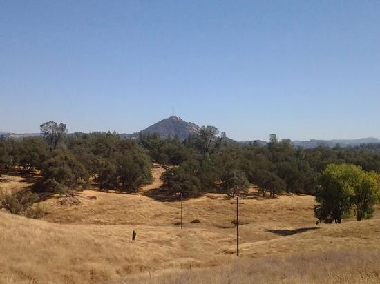 Τζάκσον, Καλιφόρνια: Butte Mountain in the distance of Jackson, California