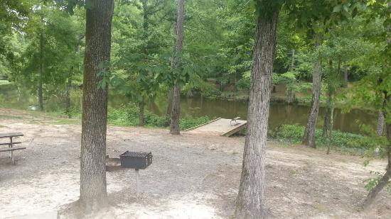 Bastrop, LA: A view of the dock & picnic area from cabin 12