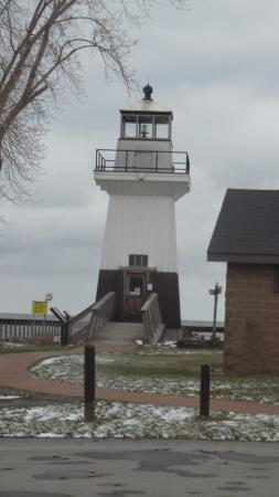 Kent, NY: Point Breeze Lighthouse