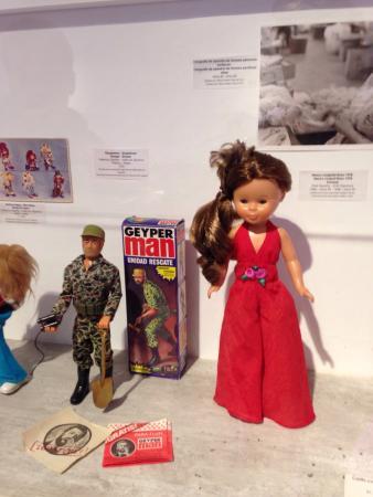Ibi, Spania: Muñecos de los cuales jugábamos de pequeños y nos ha hecho ilusión que nuestros hijos los conoci