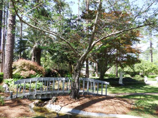 Guido Gardens: bridges