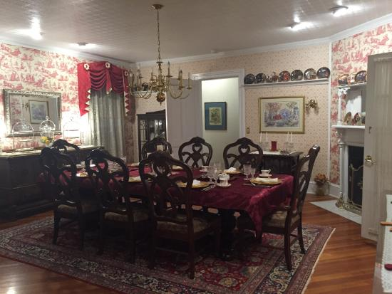 1862 Seasons On Main BB Dining Room And Sitting Area By The Fireplace