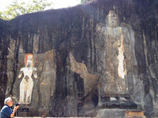 Uva Province, Sri Lanka: Tallest Buddha carving
