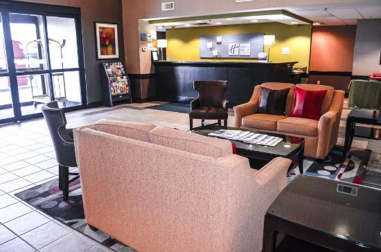 Holiday Inn Express Marietta-Atlanta Northwest: Lobby