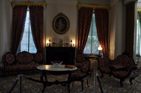 Natchez, MS: room