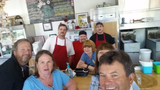 Ridgeland, Carolina del Sur: Wibbys and the Joe Loves Lobster Crew Today 4/9/16 for lunch