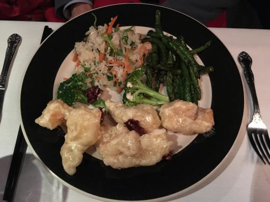 Photo of Chinese Restaurant Shun Lee Cafe at 43 W 65th St, New York, NY 10023, United States