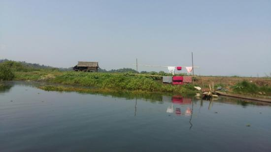 Kachin State, Birmanie (Myanmar) : breathtaking views in Indawgyi Wetlands
