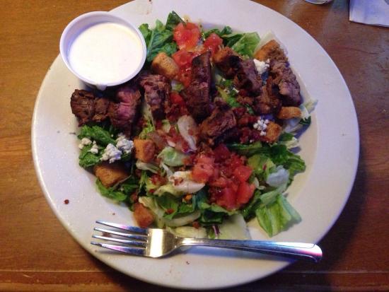 Texas Roadhouse Restaurant : Steakhouse filet salad