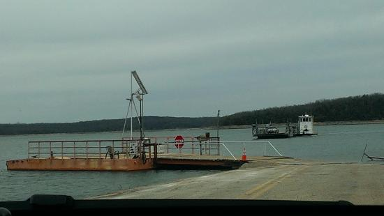 Peel, AR: Free Ferry across Bull Shoals Lake