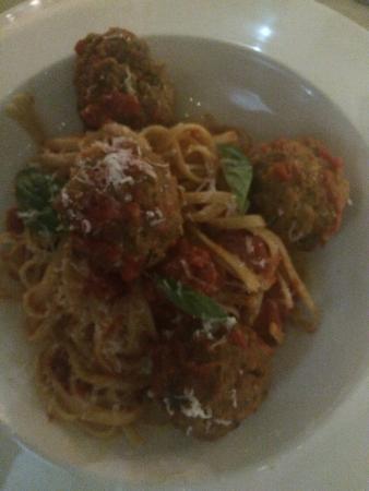 Bucci Italian Restaurant: spaghetti meatballs