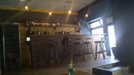Port. Wine Bar