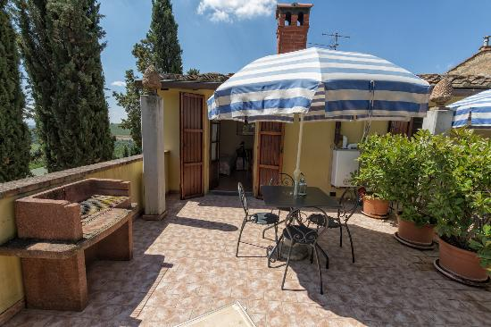 Montespertoli, Itália: Apt. Melograno: Private terrace