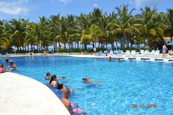 Paradise Beach: Nice pool