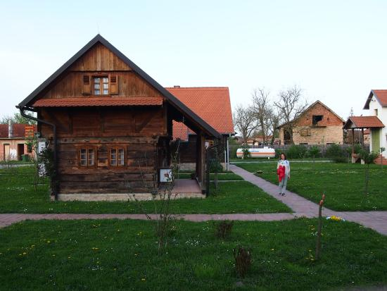 Krapje, Kroasia: Old traditinal houses