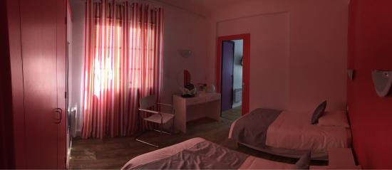 Pavillon Bleu Hotel Restaurant : photo1.jpg
