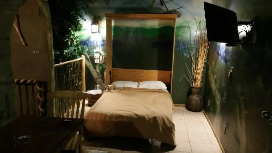 Florence, KY: Treehouse Suite