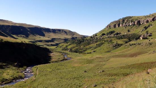 uKhahlamba-Drakensberg Park, แอฟริกาใต้: Blick auf die Anlage ( oben rechts im Bild )