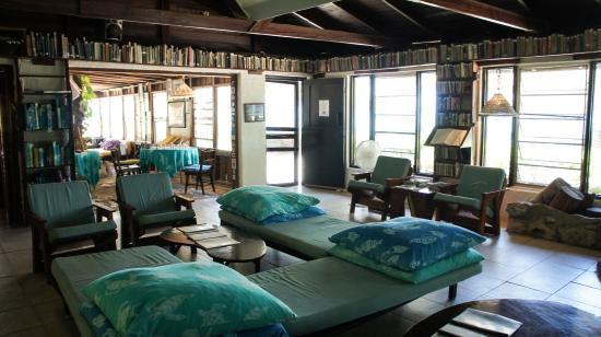 Small Hope Bay Lodge: Our lounge area