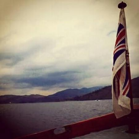 Bowness-on-Windermere, UK: Out on the lake on the smaller green cruise.
