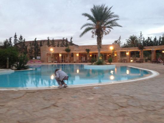Sangho Privilege Tataouine : La piscine et le restaurant