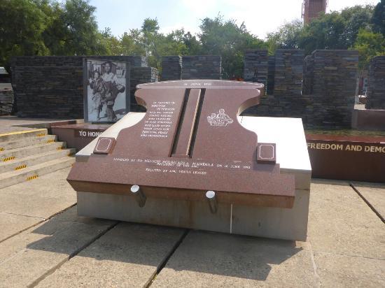 Hector Pieterson Memorial: 1190731_large.jpg