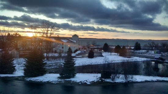 Holiday Inn Express Acme-Traverse City: view from room facing the bay (3rd floor)