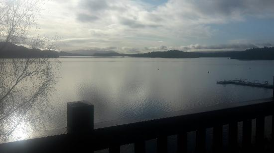 Lodge on Loch Lomond: Spent 1 night on Friday 9th of April. Stunning!!! Waking up with a Room view over the Loch. Wort