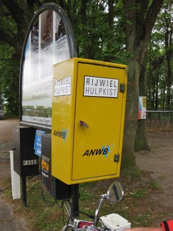 Biezenmortel, هولندا: Erg handig voor (brom)fietsers.