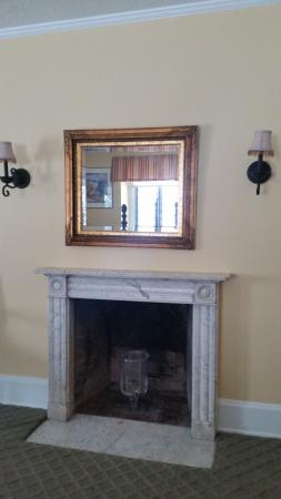 The Club at Hillbrook: Fireplace in room
