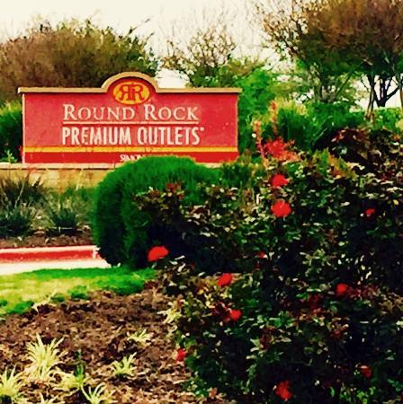 Round Rock Premium Outlets: photo0.jpg