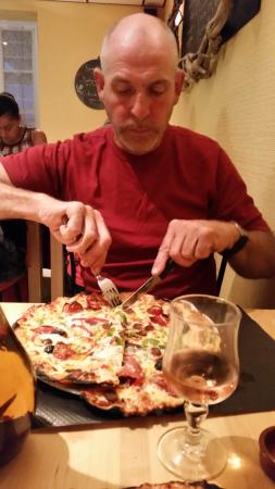 Glomel, France : Pizza's here really are this size